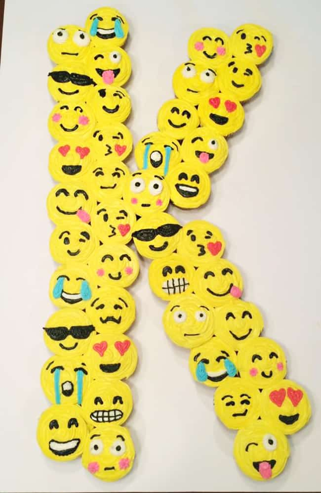 Emoji Initial Cupcakes. Best Emoji cake ideas and dessert inspiration for an Emoji Party. From birthday and graduation parties to school events, an emoji party theme is fun for all! LivingLocurto.com