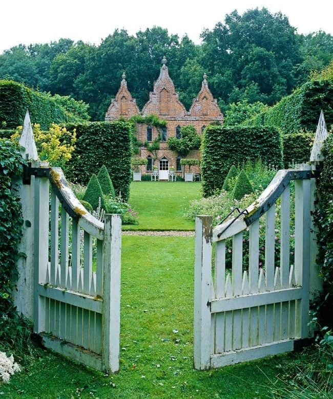 Beautiful garden gates home inspiration for Creating a beautiful garden