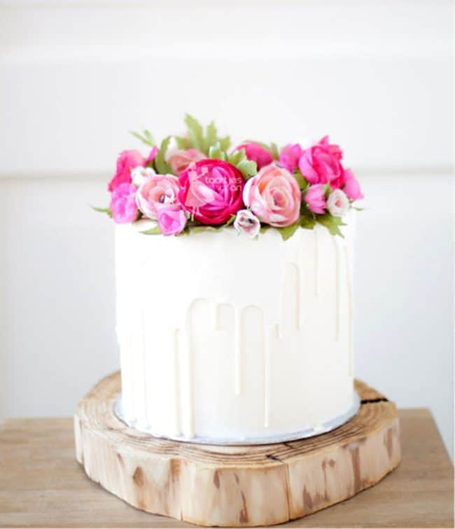 Beautiful floral cakes pretty birthday cake ideas white chocolate dripping cake with handmade flowers by taartjes van an mightylinksfo