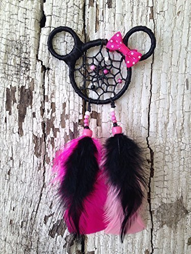 The Ultimate List of Minnie Mouse Craft Ideas! Beautiful Minnie Mouse Dream Catcher.