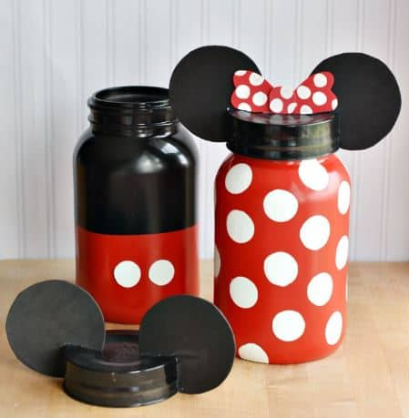 Minnie Mouse Mason Jars - The Ultimate List of Minnie Mouse Craft Ideas! Party Ideas, DIY Crafts and Disney themed fun food recipes. LivingLocurto.com