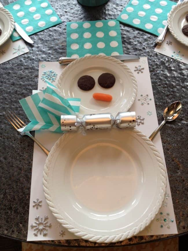 Snowman Plates - The Best Christmas Table Setting Decorations | Holiday Home Decor