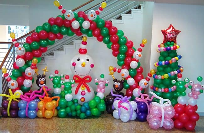 creative ideas for christmas balloon art fun diy holiday decorations that turn your home or - Christmas Balloon Decor