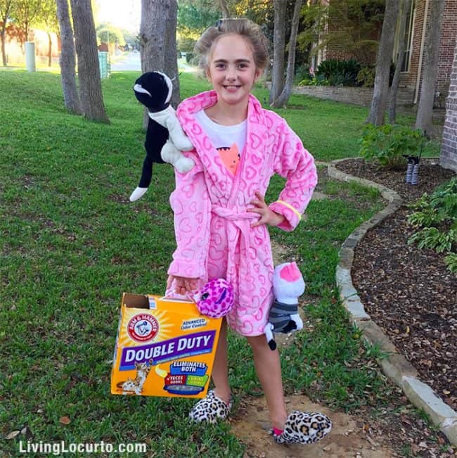 crazy cat lady cute halloween costume for kids funny diy trick or treat costume idea