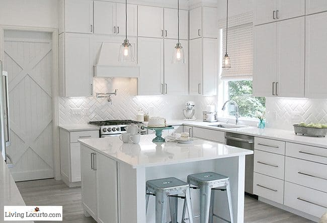 10 must haves for a farmhouse kitchen simple decorating ideas for how to update - White Farmhouse Kitchen