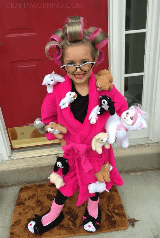 Crazy Cat Lady! Cute Kids Halloween Costumes! Over 25 of the Best DIY Halloween Ideas to inspire you on Trick or Treat night!