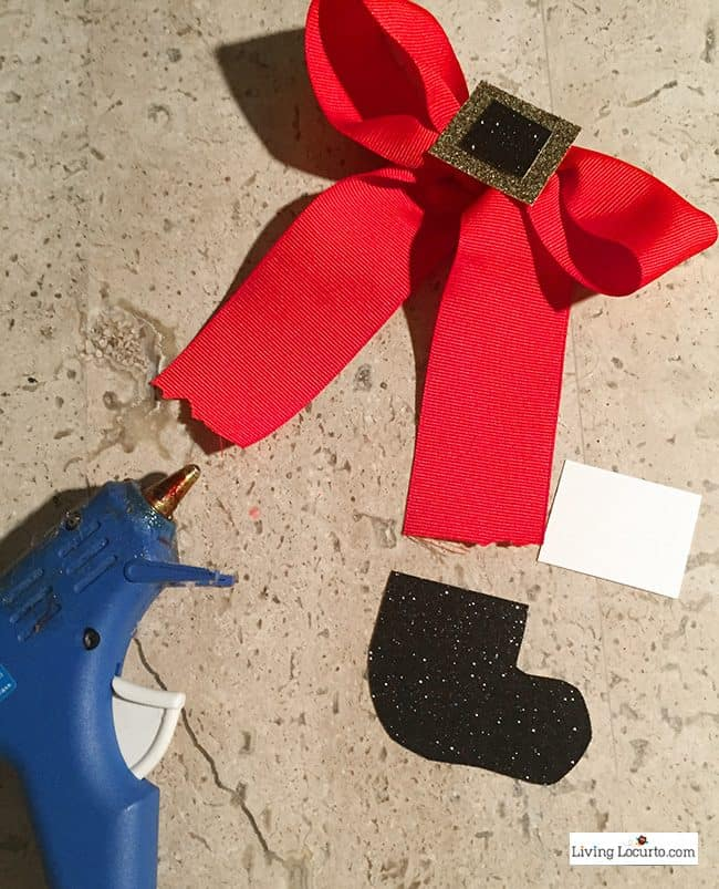How to make a Santa Bow. Easy holiday craft.