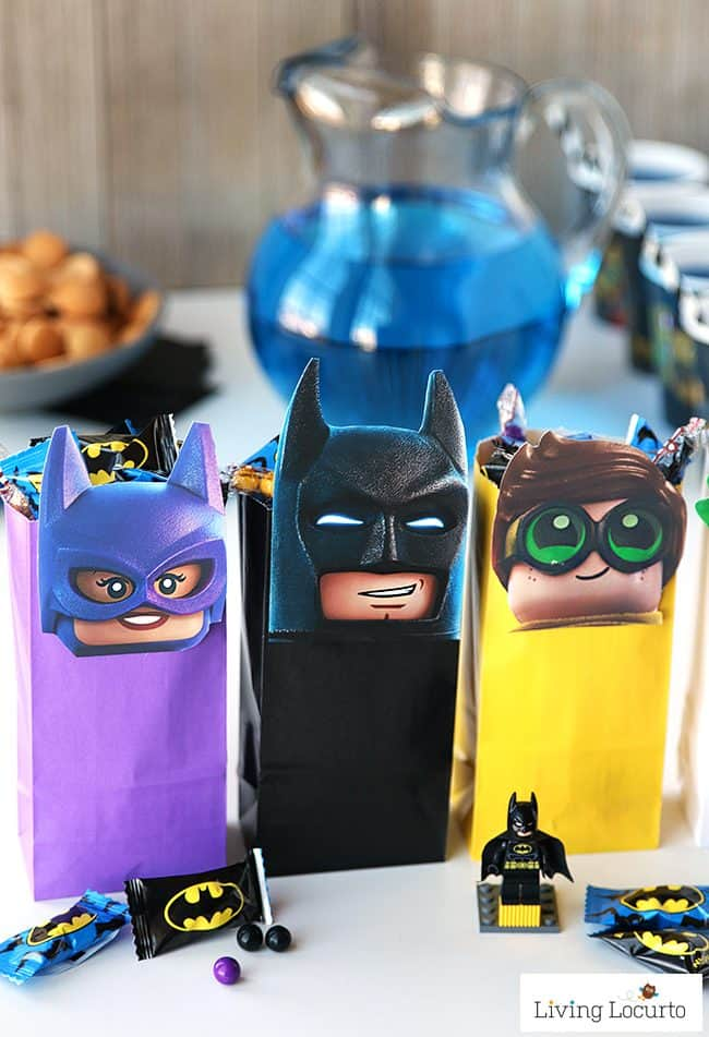 The LEGO Batman Movie Party Treat Bags! Free Printable LEGO Minifigures for DIY Birthday Party Favor Bags. Cute gift idea for kids.