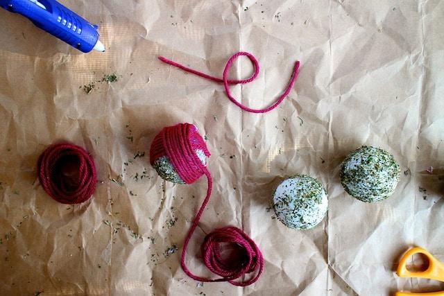 cat toys Homemade Catnip Yarn Balls