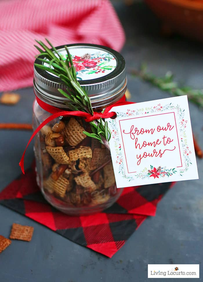 Winter Floral Printable Tags perfect for homemade gifts in a jar. Easy mason jar food craft for Christmas gifts. Chex Mix in a jar. LivingLocurto.com