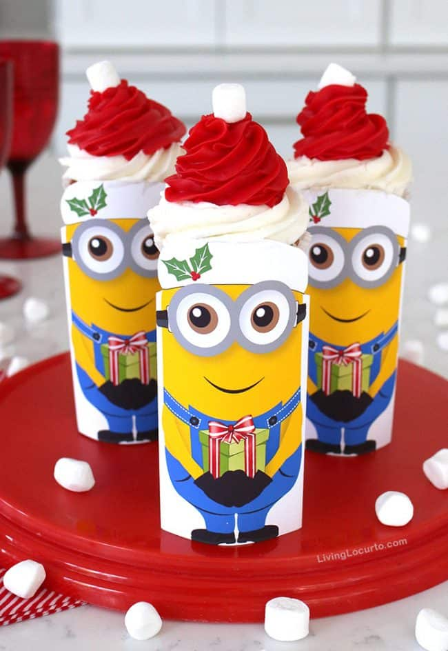 minions christmas cupcakes are so cute with a free printable soda can and santa - Christmas Minions