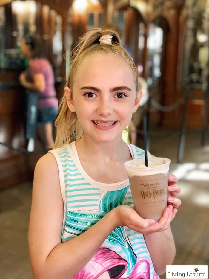 A Frozen Butterbeer Recipe that's a perfect treat for any Harry Potter fan! Easy copycat drink recipe that tastes like Butterbeer from Universal Orlando.