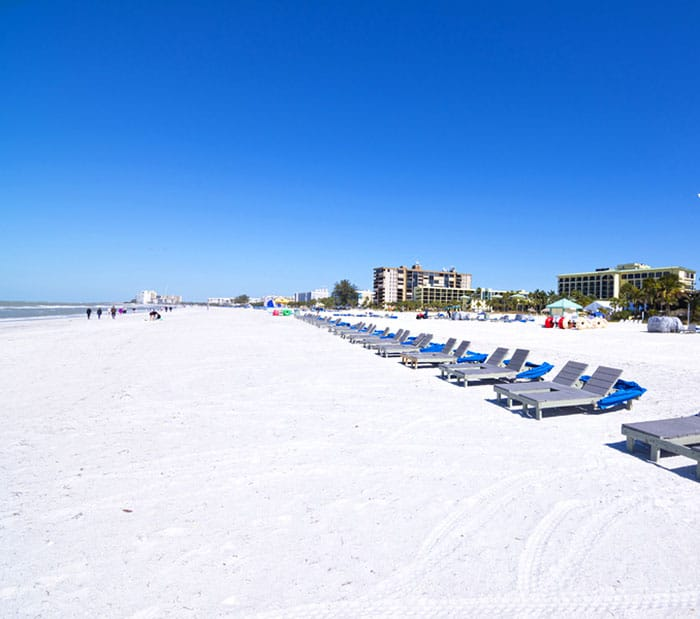 Tampa and St. Petersburg Florida beach - 5 of the best day trips from Disney World. Learn about fun Orlando day trips perfect for your family vacation. #orlando #travel #disney