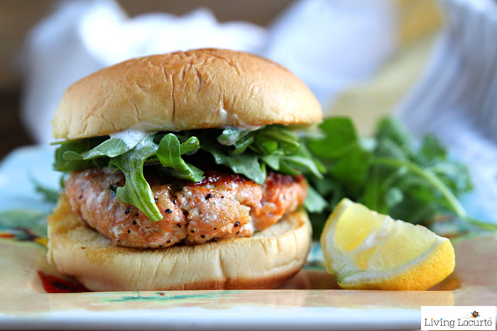 The best grilled salmon burger recipe! A quick and easy healthy dinner idea. Crispy salmon patties perfect for burgers.