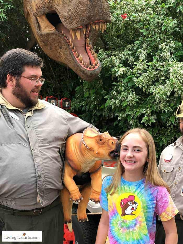 Jurassic Park Live Baby Dinosaur Meeting | Christmas at Universal Orlando. Learn what's new this holiday season and get travel tips to make your Christmas vacation special. Living Locurto travel blogger