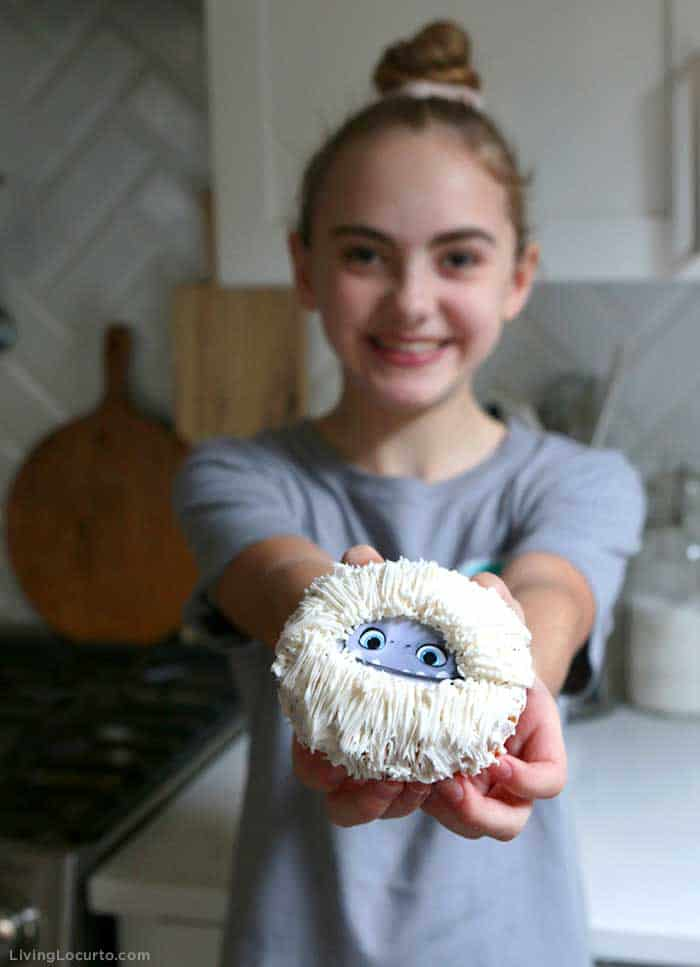 Abominable Yeti Donuts - No bake dessert easy movie themed treat.